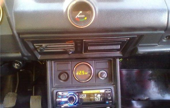 Автоклуб ВАЗ 2106Вольтметр вместо часов