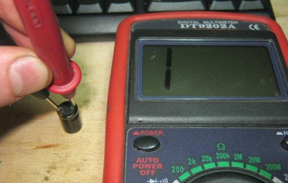 Как измерить силу тока, сопротивление и частоту мультиметром?